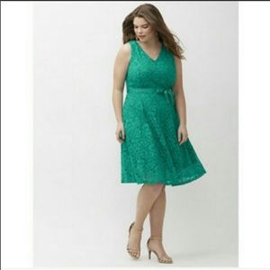 LANE BRYANT  Green Lace Sleeveless Fit and…